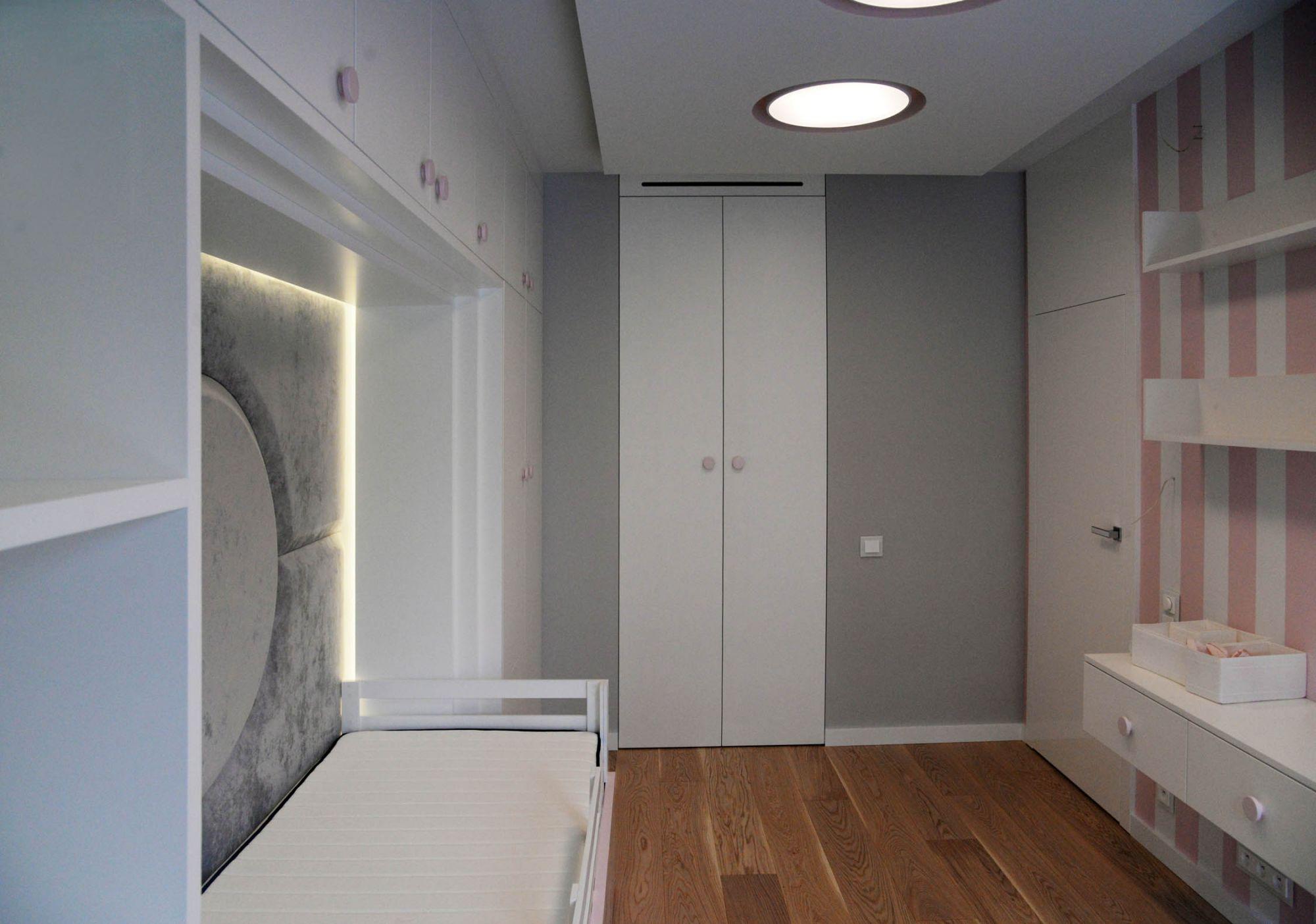 Шкаф в детскую комнату под заказ