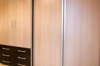 Шкаф с кроватью в стене